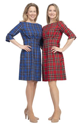 Kleid Aurora blau oder rot kariert, Models Sabine und Steffi (Gr.36)